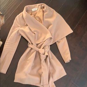 Jackets & Blazers - Camel trench coat size xs